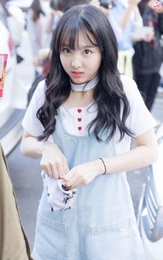 Twice Nayeon Airport Fashion - Official Korean Fashion Kpop Girl Groups, Korean Girl Groups, Kpop Girls, Sana Cute, Exo And Red Velvet, Nayeon Twice, Twice Kpop, Im Nayeon, Airport Style