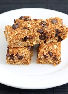 Pumpkin Chocolate Chip Granola Bars on twopeasandtheirpod.com SO much better than store bought!