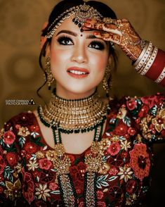 A is the Prettiest thing you can wear. Such a Bridal Portraits of the beautiful Bride. Bridal Portrait Poses, Bridal Poses, Bridal Photoshoot, Indian Bridal Makeup, Indian Bridal Wear, Indian Wedding Bride, Indian Wedding Photography, Bride Look, Bridal Outfits