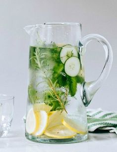 and Cucumber Water Cucumber Herb-Infused Water // In need of a detox? Get your teatox on with off using our discount code on .au XCucumber Herb-Infused Water // In need of a detox? Get your teatox on with off using our discount code on .au X Infused Water Recipes, Fruit Infused Water, Infused Waters, Fruit Water, Infused Water Benefits, Flavored Waters, Diet Water, Detox Fruits, Cucumber Detox Water
