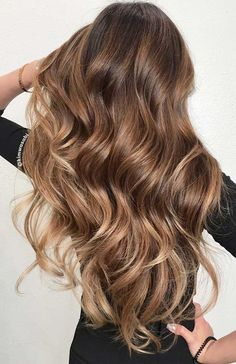 Soft And Subtle Balayage For Brown Hair ❤ Balayage Is The Hottest New Hair Tre. - Soft And Subtle Balayage For Brown Hair ❤ Balayage Is The Hottest New Hair Tre… Soft And Subt - Brown Hair Balayage, Brown Blonde Hair, Brown Hair With Highlights, Light Brown Hair, Hair Color Balayage, Subtle Balayage, Balayage Highlights, Brunette With Blonde Balayage, Caramel Hair With Brown