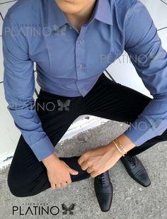 Camisa lisa en color acer corte Slim Fit, hecha en méxico por moon & rain para Tiendas Platino