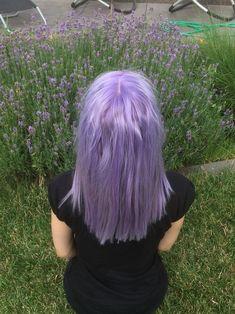 Imagem de blue hair, colorful hair, and scenegirl Hair Dye Colors, Cool Hair Color, Dying My Hair, Coloured Hair, Aesthetic Hair, Purple Hair, Blue Hair Streaks, Grunge Hair, Dream Hair