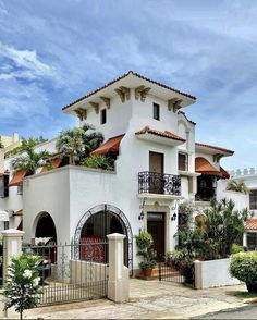 Spanish Style Homes, Puerto Rico, Mansions, House Styles, Home Decor, Decoration Home, Spanish Style Houses, Manor Houses, Room Decor