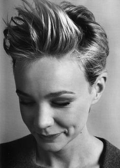 Carrie Mulligan. My hair does that :)