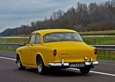 Volvo Amazon Yellow Peanut