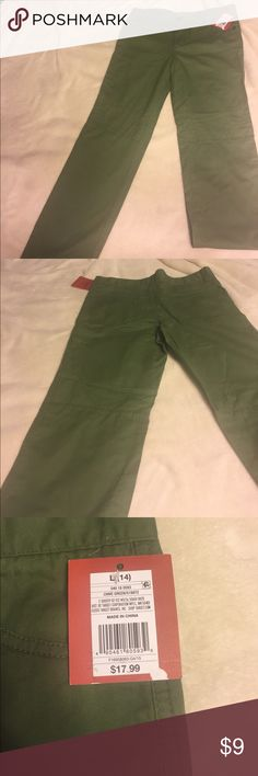 Mossimo green Girls pants size 16 Cute chive green pants for girls size 16 Mossimo Supply Co Bottoms Casual