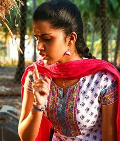 - Beauty is Art Beautiful Girl Indian, Beautiful Indian Actress, Beautiful Ladies, Beauty Routine Order, Anupama Parameswaran, Saree Photoshoot, South Actress, Beauty Hacks Video, Indian Beauty Saree