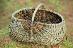 Rammeværkskurve - Anne Mette Hjørnholm - Picasa Web Albums Traditional Baskets, Fruit Shop, Fibres, Gourds, Beautiful Hands, Basket Weaving, Wicker Baskets, Burlap, Gourd Crafts