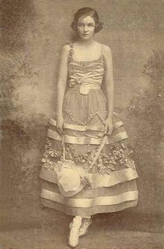 ❥ 1914 - Irene Castle~ what a dress!