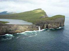 Sørvágsvatn /Leitisvatn Lake, Faroe Islands