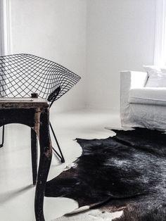 Home / Harry Bertoia / Diamond chair / Livingroom | ByCazandra