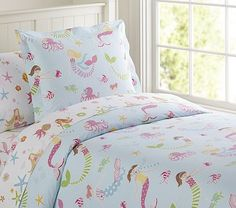Shop girls duvet covers that will show off your daughter's personality. Find girls duvet cover at Pottery Barn Kids in fun prints and colors that she will love. Childrens Duvet Covers, Girls Duvet Covers, Mermaid Bedding, Mermaid Bedroom, Mermaid Quilt, Ocean Bedroom, Mermaid Nursery, Little Girl Rooms, Pottery Barn Kids
