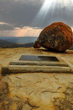 Cecil's grave