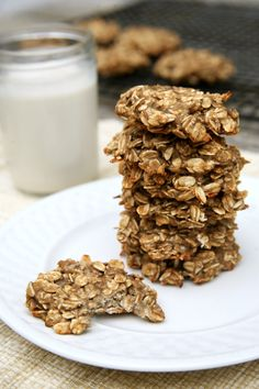 Satisfy Cookie Cravings With These Sugar-Free Oatmeal Cookies Banana Oat Cookies, Banana Oats, Protein Cookies, Oatmeal Cookies, Sugarless Cookies, Cookies Vegan, Healthy Cookies, Healthy Brunch, Healthy Meals For Two