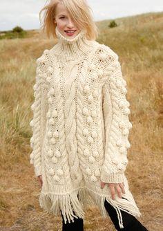 Dicker Pullover mit Noppen in Wollweiß, stricken mit Rebecca - mein Strickmagazin und ggh-Garn HUSKY (50% Schurwolle, 50% Polyacryl). Garnpaket zu Modell 32 aus Rebecca Nr. 60