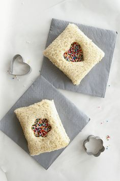 If you haven't tried fairy bread yet, check out this easy recipe at Sugar and Cl. , If you haven't tried fairy bread yet, check out this easy recipe at Sugar and Cloth. No fairy birthday party is complete without it! Fairy Birthday Party, Birthday Parties, Birthday Lunch, Pirate Birthday, Cute Food, Good Food, Do It Yourself Quotes, Kids Meals, Easy Meals