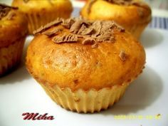 Reteta culinara Briose cu cocos din categoriile Dulciuri diverse, Prajituri. Cum sa faci Briose cu cocos My Recipes, Cookie Recipes, Cake Videos, Pastry Cake, Food Cakes, Food And Drink, Cupcakes, Sweets, Muffins