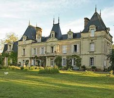 Château des Vaults - domaine du Closel Neoclassical Architecture, French Architecture, Mansions Homes, Abandoned Mansions, Beautiful Castles, Beautiful Buildings, French Exterior, French Castles, Modern Mansion