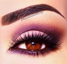 I love plum eyeshadow looks. Fall Smokey Eye, Purple Smokey Eye, Purple Eye Makeup, Purple Eyeshadow, I Love Makeup, Beauty Makeup, Makeup Looks, Hair Makeup, Amazing Makeup