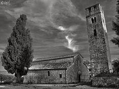 Pieve di San Giovanni Battista a Pernina (Sovicille). Foto di Francesco Viti su http://www.panoramio.com/photo/88065599