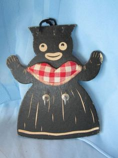 VINTAGE BLACK AMERICANA MAMMY  WOOD WALL HANGER HOOKS  DISH TOWEL   POT HOLDER