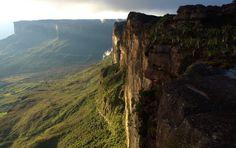 12 Best Hiking Trails in America - Traveleering