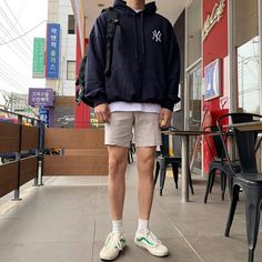OOTD OOTD Having a fit and fit body is desirable by everyone. Summer Outfits Men, Trendy Outfits, Fashion Outfits, Casual Male Outfits, Fashion Wear, Modest Fashion, Daily Fashion, Fashion Tips, Korean Fashion Men