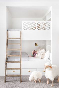 The Prettiest Modern Farmhouse in the Entire World (for *real* though) | lark & linen #hometour #farmhouse #bunkbeds