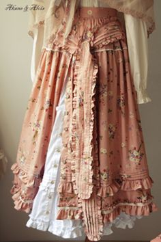 Find images and videos about mori and natural kei on We Heart It - the app to get lost in what you love. Gypsy Style, Boho Gypsy, Bohemian Style, Boho Chic, Mori Style, Girl Japanese, Japanese Fashion, Boho Outfits, Vintage Outfits