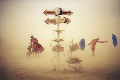 Já falamos aqui sobre o Burning Man, um festival anual que acontece em Nevada (se não conhece, vejaaqui). O fotógrafo Victor Habchy, um profissional que viaja o mundo com mochila nas costas e sua máquina sempre pronta para encontrar as imagens perfeitas, foi novamente ano fazer alguns cliques do evento que parece de outro mundo. Para as imag...