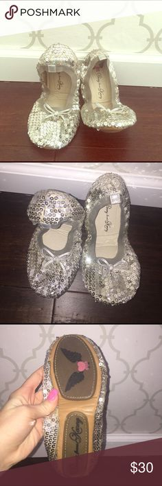Penny loves kenny silver sparkle ballet flats Penny loves kenny silver sparkle ballet flats. New. Size 8 Shoes Flats & Loafers