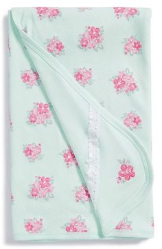 Free shipping and returns on Little Me 'Spring Posies' Receiving Blanket at Nordstrom.com. Gorgeous bouquets of spring posies bloom across a cozy, reversible receiving blanket knit from soft cotton.