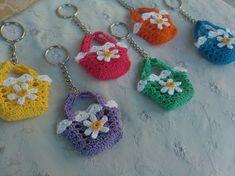 Definitely a fun way to while Love Crochet, Crochet Motif, Diy Crochet, Crochet Designs, Crochet Crafts, Crochet Dolls, Yarn Crafts, Crochet Flowers, Crochet Baby