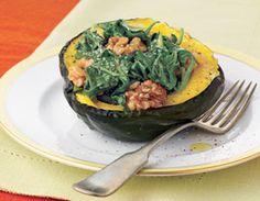 Comfort Food quickie - microwaved acorn squash with spinach and walnuts