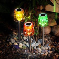 Gelb, Orange oder Grün - zum Glück muss man sich nicht entscheiden! Denn die #LED - #Solarleuchte Garden Sticks kommt im 3er-Set!