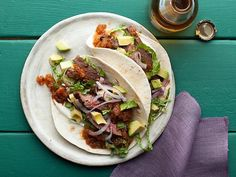 Skirt Steak Tacos with Roasted Tomato Salsa Recipe : Bobby Flay : Food Network