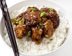 Slow Cooker General Tso's Chicken. Slow Cooker General Tso's Chicken Recipes Super Easy Slow Cooker General Tso's Chicken. Way better (and healthier) than takeout! Poulet General Tao, Slow Cooker Recipes, Cooking Recipes, Asian Recipes, Healthy Recipes, Free Recipes, Easy Recipes, Skinny Recipes, Crock Pot Cooking