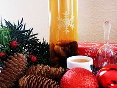 Sváb fűszeres likőr Ketchup, Advent, Smoothie, Alcoholic Drinks, Food And Drink, Tea, Table Decorations, Alcoholic Beverages, Smoothies