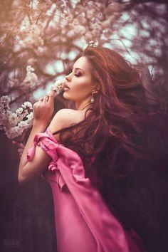 || outdoor portrait / flowers / outside / palette / hair