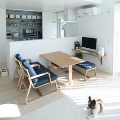 フレキシブルに使えて便利!ダイニングにベンチを取り入れよう♩ Small Apartment Interior, Interior Design Living Room, Interior Decorating, Small Open Kitchens, Muji Home, Open Kitchen And Living Room, Small Room Decor, Ideas Hogar, Minimalist Room