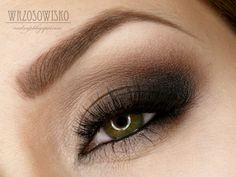 Products Used: Makeup Geek's Eyeshadows: Mocha and Vanilla Bean, Makeup Geek pigment:Sweet Dreams