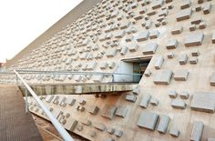 Oscar Niemeyer – National Theater, Brasilia yuck!