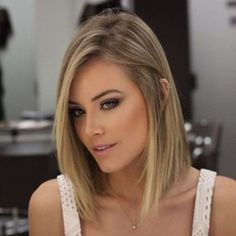 66 Chic Short Bob Hairstyles & Haircuts for Women in 2019 - Hairstyles Trends Trending Hairstyles, Short Hairstyles For Women, Hairstyles Haircuts, Straight Hairstyles, Blonde Hairstyles, Bob Haircuts, Female Hairstyles, Medium Hairstyles, Haircut Medium