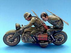 Vintage-Tin-Toy-Kellermann-Motorcycle-German-Soldiers-1940s-Working