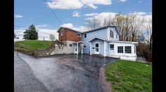 44 Don St, Penetanguishene ON L9M 1E5, Canada Corner Lot House with In Ground Pool For Sale in Penetanguishene! #Realestate Watch the virtual tour for 44 Don Street.  Contact Team Hawke Realty at 705-527-7877 or www.teamhawke.com for more details or to book a private showing