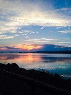 Frontignan vue sur l'étang au crépuscule