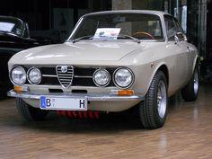Alfa Romeo GT 1300 Junior Coupé