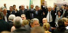 Folha do Sul - Blog do Paulão no ar desde 15/4/2012: Aos gritos de 'Fora PT', PMDB deixa governo em reu...