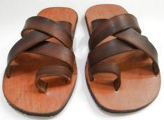 chinelo, chinelão, rasteirinha, sandália,masculino, em couro, de couro, couro, alpercatas, rústico, couro crú, solado em pneu, reciclagem, ecológico,sandals, feito à mão, artesanal, artesanato em couro, handmade, leather, minimalista, minimalist,